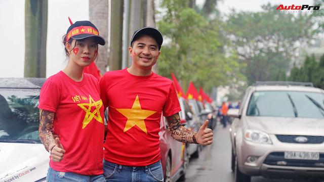 Hàng chục chiếc Chevrolet diễu hành quanh Hà Nội ủng hộ U23 Việt Nam - Ảnh 10.