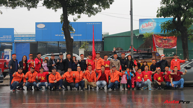 Hàng chục chiếc Chevrolet diễu hành quanh Hà Nội ủng hộ U23 Việt Nam - Ảnh 13.