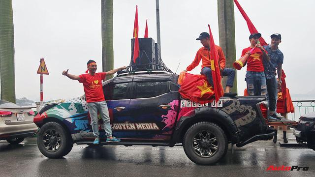 Hàng chục chiếc Chevrolet diễu hành quanh Hà Nội ủng hộ U23 Việt Nam - Ảnh 12.