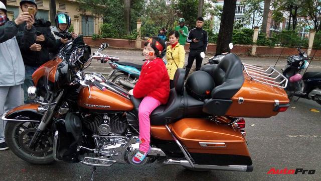 Hơn 60 xe Harley-Davidson tiền tỷ dẫn đoàn U23 Việt Nam tại Hà Nội - Ảnh 9.