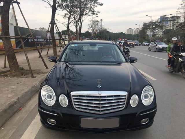 Từ 2 tỷ đồng, Mercedes-Benz E280 đời 2007 rao bán lại giá 500 triệu đồng - Ảnh 2.