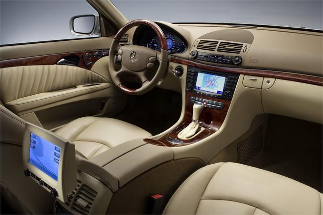 Từ 2 tỷ đồng, Mercedes-Benz E280 đời 2007 rao bán lại giá 500 triệu đồng - Ảnh 6.