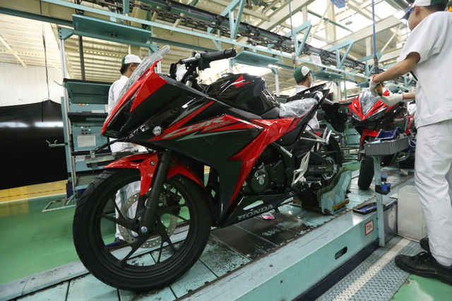 Honda CBR150R 2018 ra mắt: thêm màu sơn, động cơ không đổi