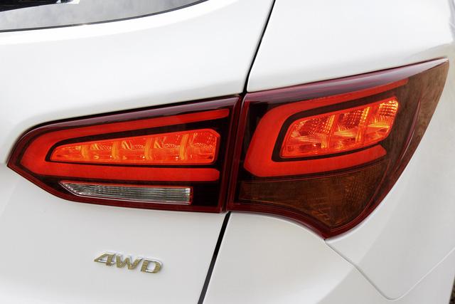 SUV 7 chỗ, chọn Honda CR-V 2018 hay Hyundai Santa Fe 2017? - Ảnh 35.