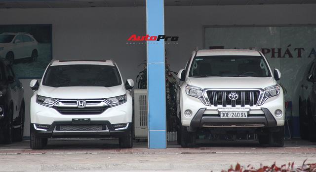 Cháy hàng chính hãng, Honda CR-V 2018 tuồn ra đại lý tư nhân với giá trên 1,3 tỷ đồng - Ảnh 2.