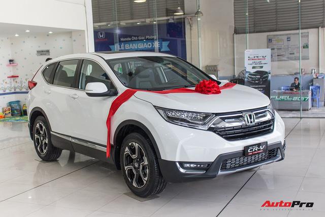 SUV 7 chỗ, chọn Honda CR-V 2018 hay Hyundai Santa Fe 2017? - Ảnh 1.