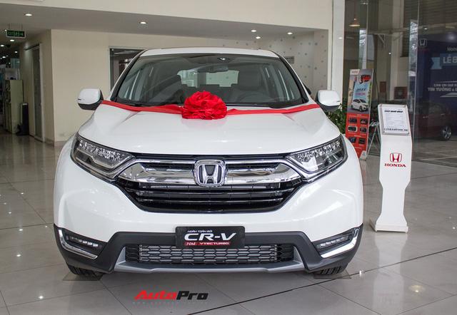 SUV 7 chỗ, chọn Honda CR-V 2018 hay Hyundai Santa Fe 2017? - Ảnh 2.