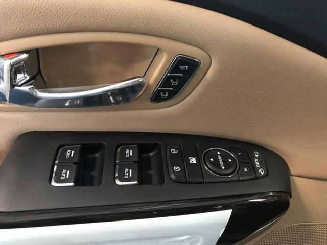 Kia Sedona facelift bất ngờ xuất hiện tại Việt Nam với những công nghệ mới - Ảnh 11.