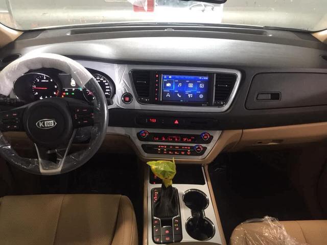 Kia Sedona facelift bất ngờ xuất hiện tại Việt Nam với những công nghệ mới - Ảnh 3.