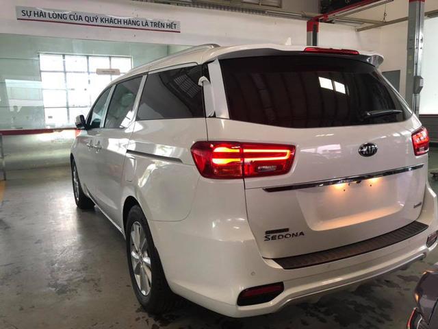 Kia Sedona facelift bất ngờ xuất hiện tại Việt Nam với những công nghệ mới - Ảnh 7.