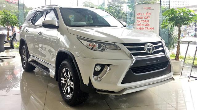 Bán chênh cả trăm triệu đồng nhưng hút hết người mua của đối thủ - Chuyện chỉ Toyota Fortuner làm được tại Việt Nam