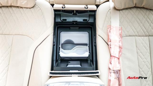 Siêu hiếm: BMW 750 Li 2016 đầu tiên và duy nhất trên thị trường xe cũ Việt Nam - Ảnh 23.