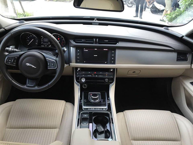 Jaguar XF với ngoại hình như mới khấu hao cả tỷ đồng sau 2 năm sử dụng - Ảnh 3.