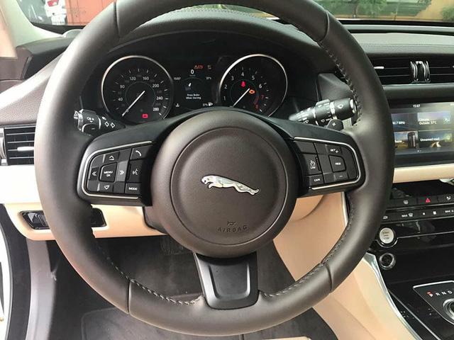 Jaguar XF với ngoại hình như mới khấu hao cả tỷ đồng sau 2 năm sử dụng - Ảnh 7.