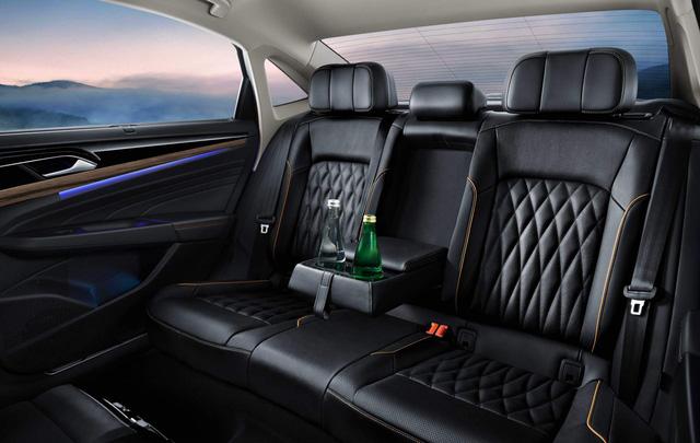 Ra mắt Volkswagen Passat NMS: Thoát mác xe Đức bình dân - Ảnh 14.