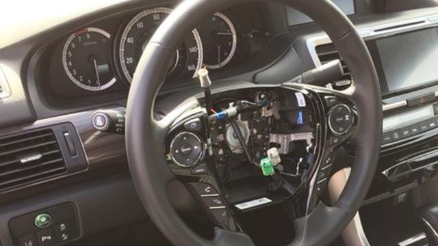 Không phải gương hay bánh xe, chi tiết này trên xe Honda Civic và Accord đang bị trộm hàng loạt - Ảnh 1.