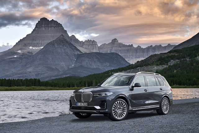 BMW X7 vs BMW X5: Đâu là khác biệt lớn để xứng đáng lên đời? - Ảnh 1.