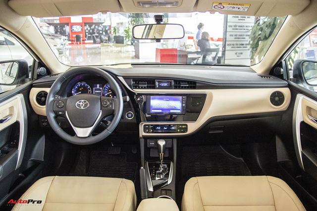 Bước chuyển mình của Toyota Corolla Altis với phiên bản 2018 - Ảnh 4.