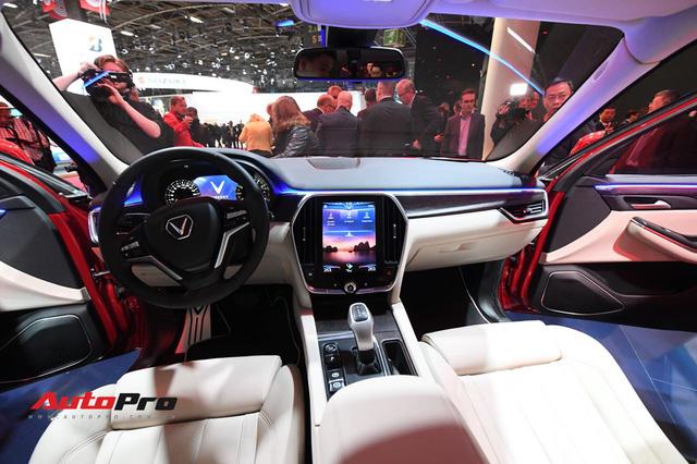 Cận cảnh nội thất SUV VinFast LUX SA2.0: Linh hồn Việt Nam lồng trong thiết kế châu Âu - Ảnh 4.