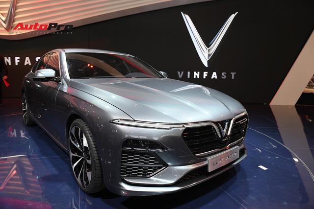 HOT: Chi tiết ngoại thất sedan VinFast LUX A2.0 vừa ra mắt hoành tráng tại Paris Motor Show 2018 - Ảnh 7.