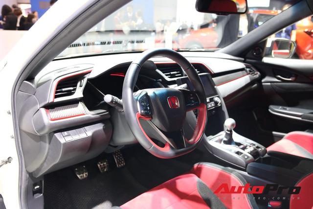 Chi tiết Honda Civic Type R - Hàng hot tiền tỷ cho người thích xe thể thao tại Việt Nam - Ảnh 2.