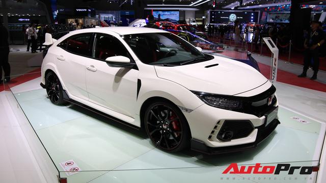 Chi tiết Honda Civic Type R - Hàng hot tiền tỷ cho người thích xe thể thao tại Việt Nam