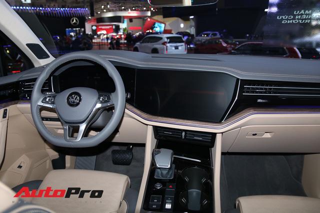 Đánh giá nhanh VW Touareg 2019: SUV tiền tỷ nhiều công nghệ bậc nhất Việt Nam - Ảnh 6.