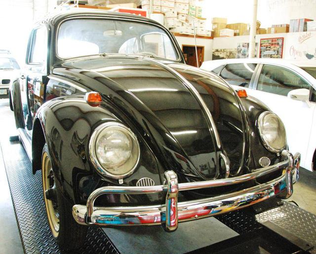 Chiếc Volkswagen Beetle này có giá tới 1 triệu USD và đây là lý do tại sao - Ảnh 1.