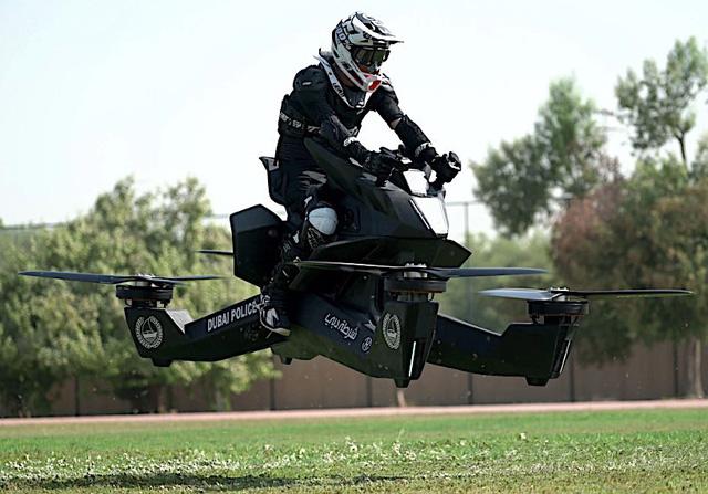 Sau siêu xe, cảnh sát Dubai còn được sử dụng mô tô bay như phim viễn tưởng - Ảnh 2.