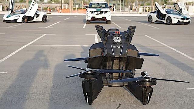 Sau siêu xe, cảnh sát Dubai còn được sử dụng mô tô bay như phim viễn tưởng