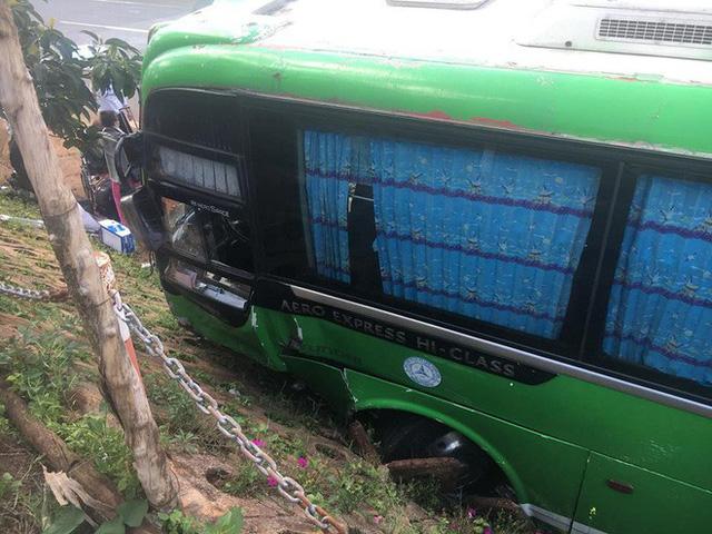 Gây tai nạn, tài xế bỏ ghế lái, hành khách lớn tuổi nhảy lên ôm vô-lăng cứu 30 mạng người - Ảnh 5.