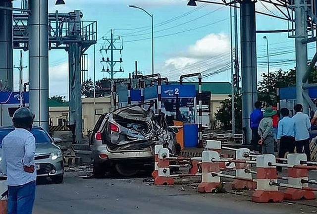 Gây tai nạn, tài xế bỏ ghế lái, hành khách lớn tuổi nhảy lên ôm vô-lăng cứu 30 mạng người - Ảnh 7.