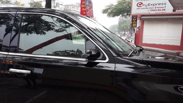 """Đại gia đi Cadillac Escalade chục tỷ bị vặt gương tại Hà Nội, quyết tâm mua gương mới chứ không tiếp tay cho đồ """"luộc"""" - Ảnh 1."""