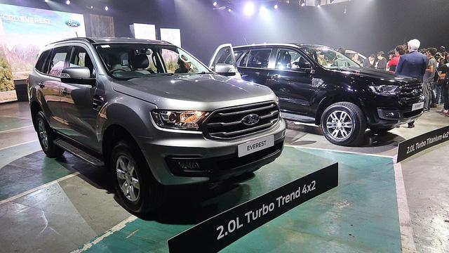 Đại lý tiết lộ giá Ford Everest 2018 tiêu chuẩn từ 999 triệu đồng, bán ra tháng 12 - Ảnh 2.