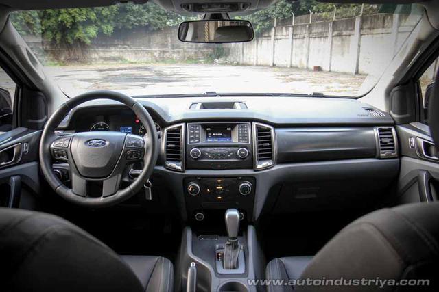 Ford Ranger bản 2 cầu số tự động tầm trung đầu tiên về Việt Nam, giá 779 triệu đồng - Ảnh 3.