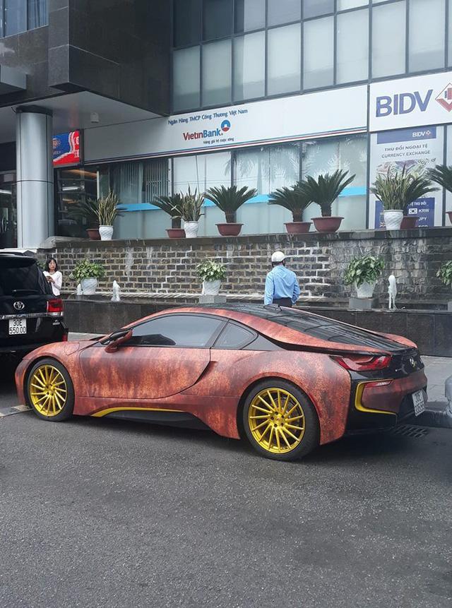 Siêu xe BMW i8 gỉ sét mang vành vàng độc nhất Việt Nam - Ảnh 6.