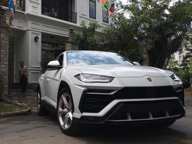 Minh nhựa chính thức tậu Lamborghini Urus về nhà riêng - Ảnh 8.