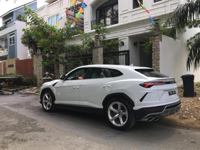 Minh nhựa chính thức tậu Lamborghini Urus về nhà riêng - Ảnh 7.