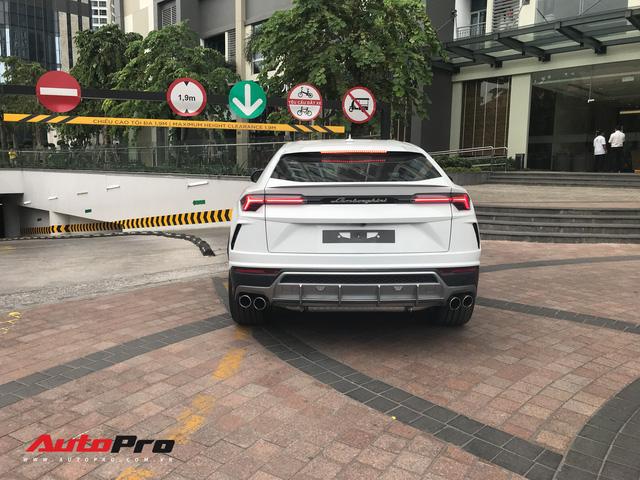 Minh nhựa chính thức tậu Lamborghini Urus về nhà riêng - Ảnh 6.