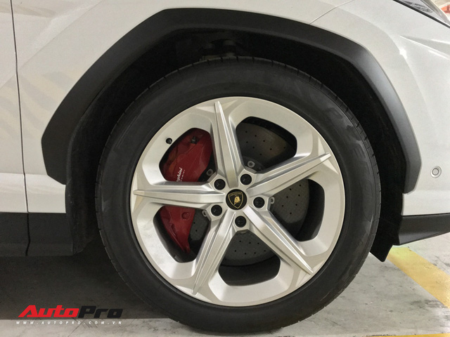 Minh nhựa chính thức tậu Lamborghini Urus về nhà riêng - Ảnh 10.