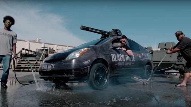 Chiếc Toyota Prius nguy khốn nhất quả đât của đại gia cà phê