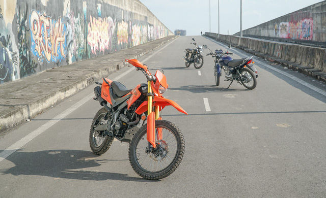 Thêm hai mẫu xe côn tay giá rẻ mới có mặt tại Việt Nam - Ảnh 1.