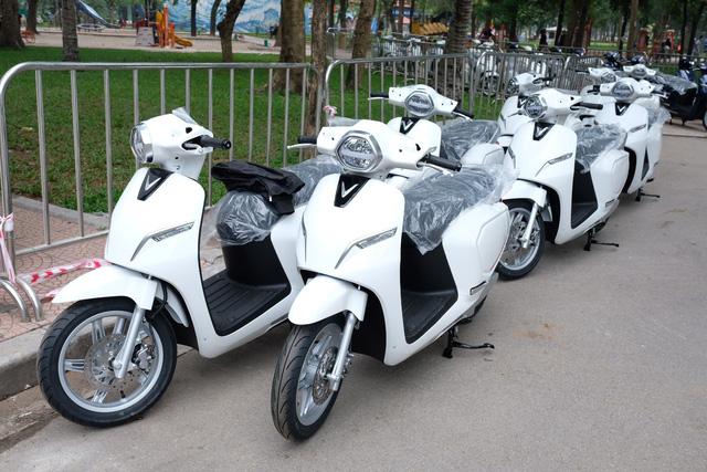 VinFast đặt trạm sạc ô tô, xe máy ở bưu điện, len lỏi tới cả vùng quê khắp Việt Nam - Ảnh 2.