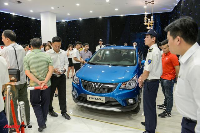 So sánh giá ô tô Việt Nam với ô tô Mỹ có hợp lý? Chevrolet Spark mà đánh thuế kiểu Việt Nam thì còn đắt hơn VinFast Fadil 50 triệu - Ảnh 6.