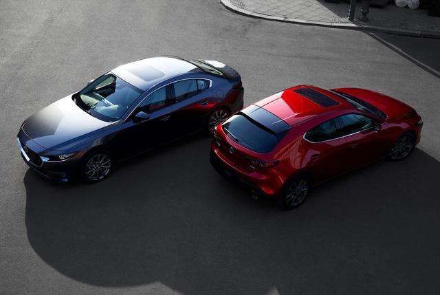 Lộ ảnh trần trụi Mazda3 2019 trước giờ G: Động cơ mới, thiết kế như xe sang châu Âu - Ảnh 1.