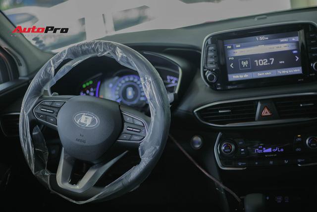 Chi tiết Hyundai Santa Fe 2019 bản cao nhất với giá dự kiến 1,3 tỷ đồng tại đại lý - Ảnh 10.