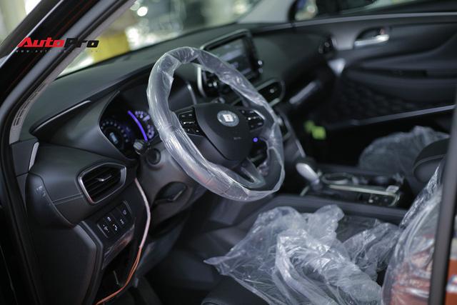 Chi tiết Hyundai Santa Fe 2019 bản cao nhất với giá dự kiến 1,3 tỷ đồng tại đại lý - Ảnh 8.