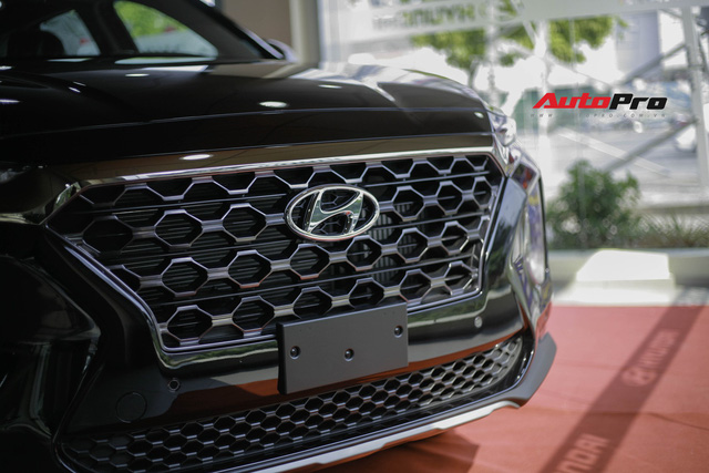 Chi tiết Hyundai Santa Fe 2019 bản cao nhất với giá dự kiến 1,3 tỷ đồng tại đại lý - Ảnh 5.