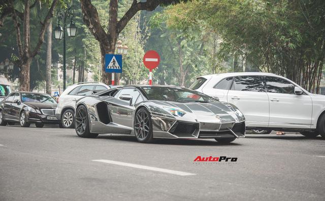 Cặp đôi Lamborghini Aventador Roadster khuấy đảo Hà Nội - Ảnh 6.