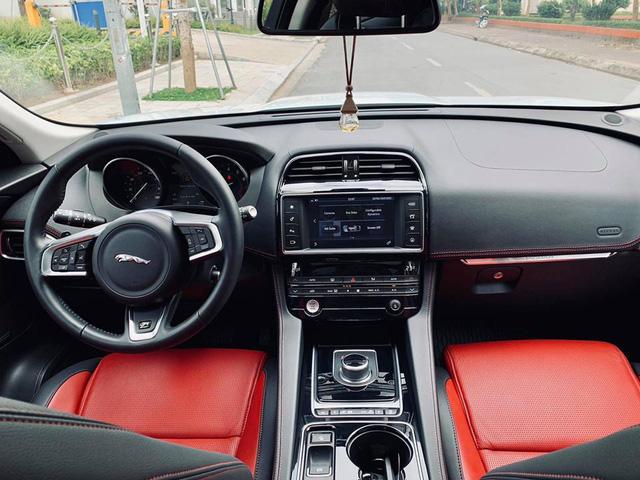 Mới lăn bánh 868 km, Jaguar F-Pace R-Sport đã bị đại gia Việt bán vội với giá trên 4 tỷ đồng - Ảnh 9.
